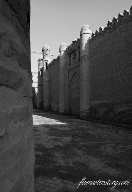 по улицам Хивы
