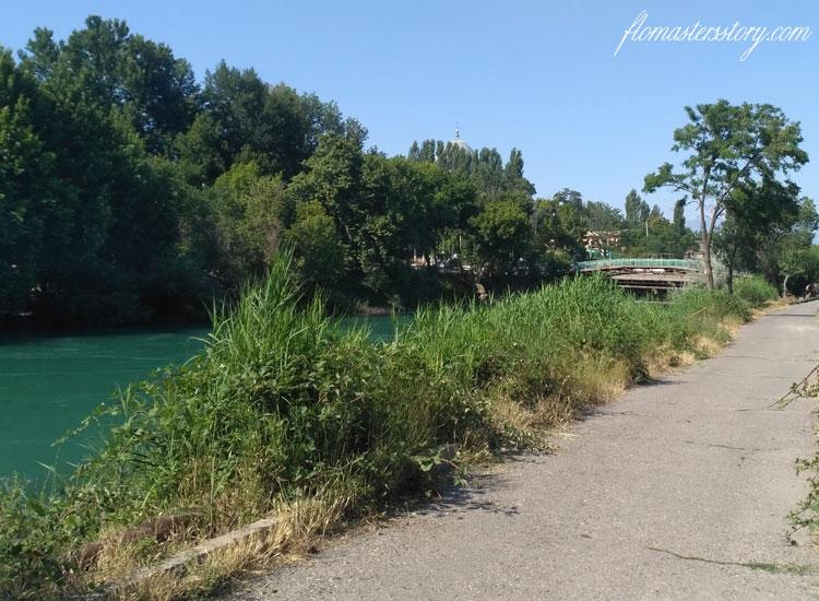 горбатый мост в Чирчике