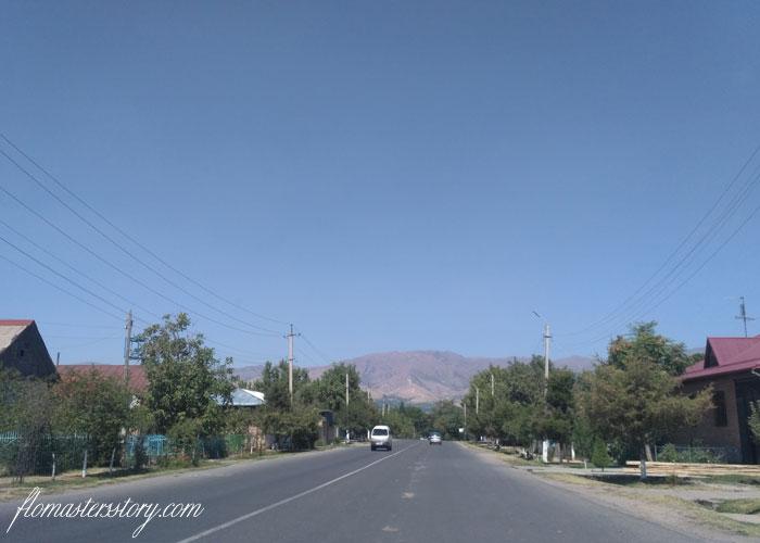 на машине по Узбекистану