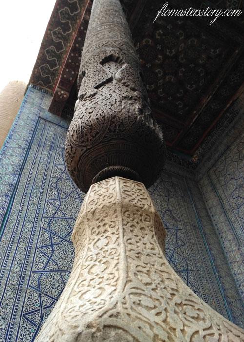 резные столбы Хивы