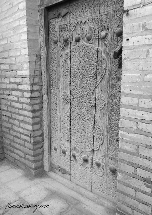 резные двери фото