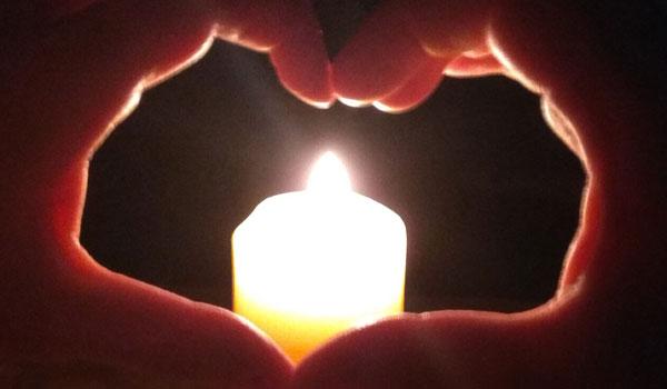 два сердца над свечой