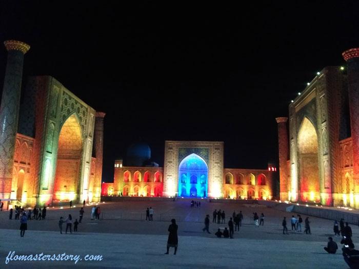 Световое шоу в Регистане
